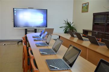 """В рамках нацпроекта """"Образование"""" в Кировской области поступят новые комплекты цифрового оборудования"""