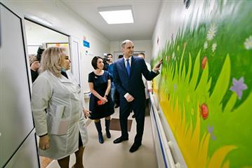 """Денис Паслер: """"Оренбуржье полностью готово к выполнению программы модернизации первичного звена здравоохранения"""""""