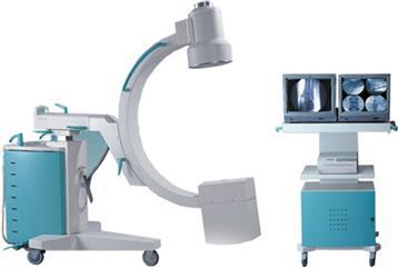 Михаил Ратманов ознакомился с работой новой передвижной рентгенохирургической системой С-дуга в Самарской области