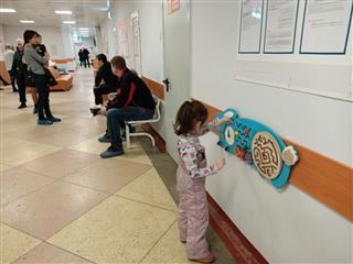 В Дзержинской детской городской поликлинике №10 завершился капитальный ремонт