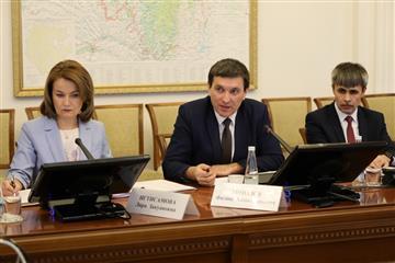 В Правительстве Башкортостана обсудили вопросы поддержки мясной отрасли, строительства спортзалов в сельских школах и безопасность на автодорогах в зимний период
