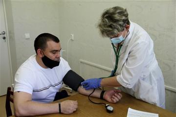 В Сергиевском районе в оснащенных по нацпроекту прививочных кабинетах продолжается вакцинация