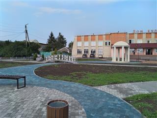 В поселке Земетчино Пензенской области в рамках нацпроекта благоустроен сквер