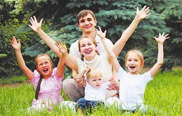 Более 2000 женщин в Кировской области, находящихся в декрете, пройдут переобучение или повысят квалификацию
