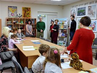 """Александр Бречалов: """"Библиотека должна стать центром притяжения людей любого возраста"""""""