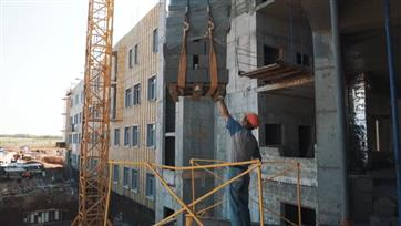 В Оренбуржье строительство детской областной больницы идет по графику