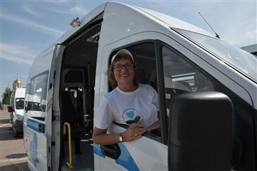 Центры социального обслуживания населения Самарской области получили новые автомобили в рамках нацпроекта