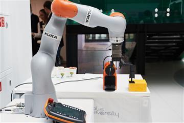 Гостям ЦИПРа покажут роботов бариста, вратаря и фрезеровщика