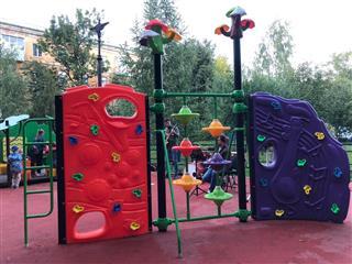 """В Советском районе Самары открыли дворовую площадку, благоустроенную по нацпроекту """"Жилье и городская среда"""""""
