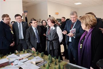 Делегация во главе с помощником президента РФ оценила систему образования Кировской области