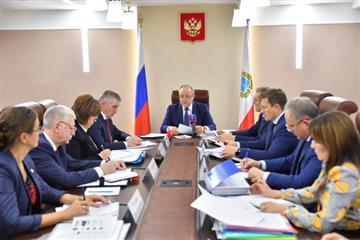 Губернатор Валерий Радаев провел совещание по вопросам демографии
