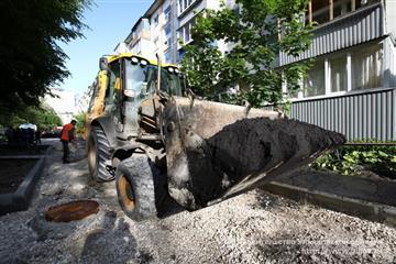 В Засвияжском районе Ульяновска продолжается ремонт дворов, парков и дорог по нацпроектам