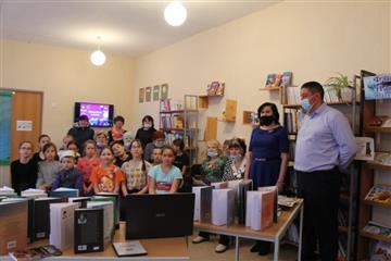В Кенгер-Менеузовской сельской модельной библиотеке презентовали новое оборудование