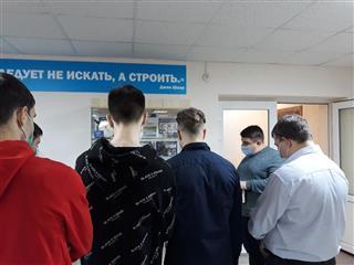 Жителям Саратовской области показали, как изменилось качество асфальта за десять лет