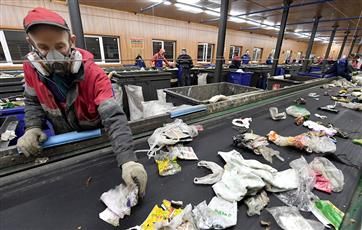 В Саратовской области почти в семь раз вырос объем переработки мусора