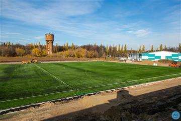 """Настадионе """"Салют"""" постелен новый футбольный газон уровня FIFA"""