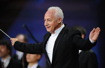 Благодаря виртуальному концертному залу концерт Владимира Спивакова увидят жители глубинки Оренбуржья