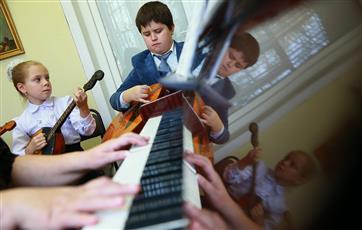 Более половины детских школ искусств Ульяновской области получили новые инструменты