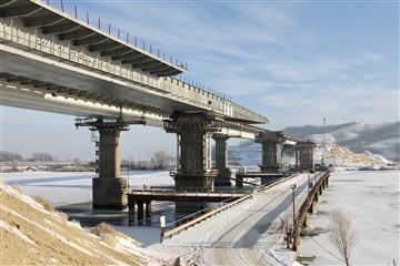 Пролетное строение Свияжского моста в Татарстане собрано на 50%