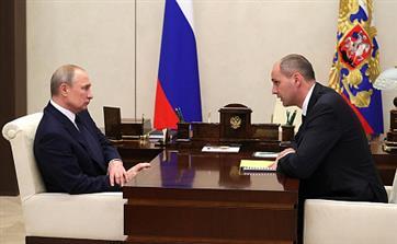 Врио главы Оренбургской области рассказал Путину о состоянии дорог, школ и больниц