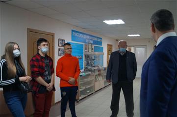 Заместитель министра транспорта Саратовской области встретился с участниками дорожных курсов