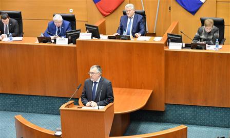 Принят профицитный бюджет региона на 2019 год