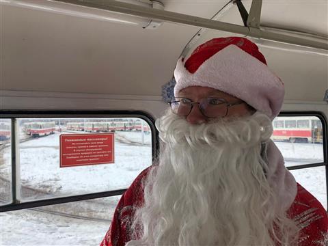 В Самаре появился новогодний трамвай
