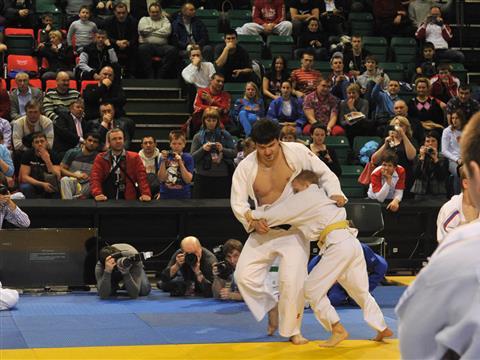 Три олимпийских чемпиона-2012 по дзюдо провели мастер-класс для 100 юных самарцев