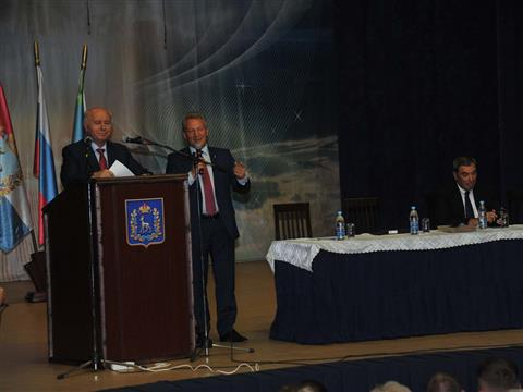 Губернатор встретился с жителями Волжского района губернии