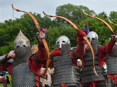 Тимур снова победил Тохтамыша на этно-историческом фестивале в Красноярский районе