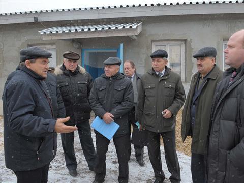 Депутаты проверили стройку в «Усинском»