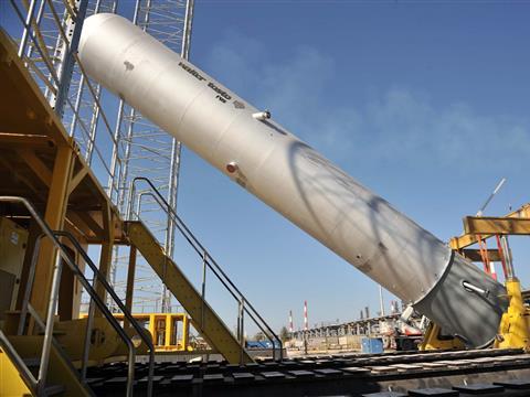 На Сызранском НПЗ смонтирован 400-тонный реактор установки гидроочистки дизтоплива