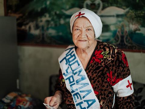 """Пенсионерка из""""Кошелева"""" хочет организовать КВН надетской площадке усвоего дома"""