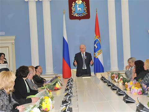 Деятели культуры получили награды от Николая Меркушкина и назвали его народным губернатором