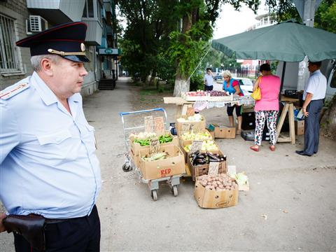 Стихийный рынок на ул. Победы в очередной раз ликвидировали