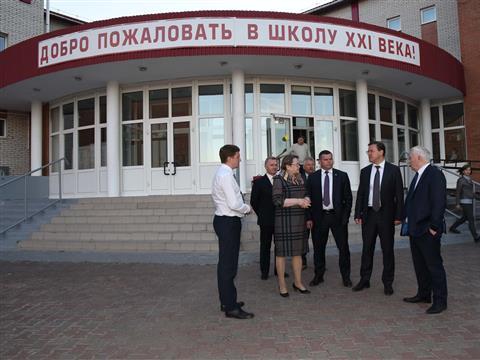 Глава региона посетил школу №2 в Клявлино