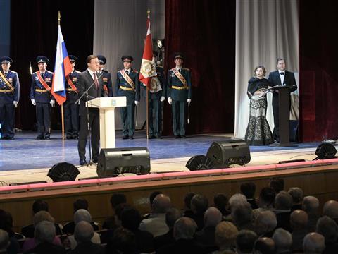 Глава региона поздравил  с праздником 23 февраля военнослужащих Тольятти