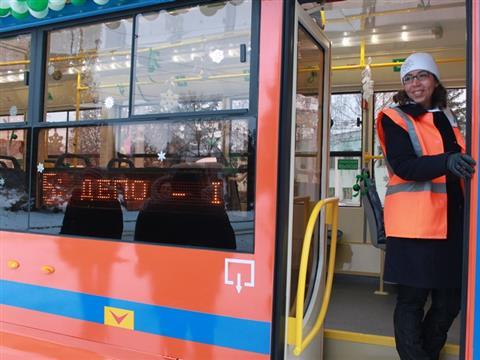 В региональной столице в пробный рейс вышел первый трамвай для инвалидов-колясочников