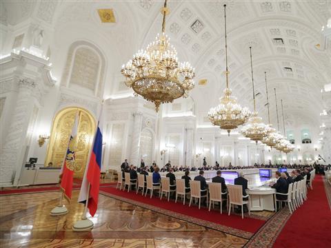 Губернатор принимает участие в заседании Госсовета