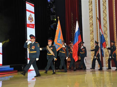 Александр Нефедов поздравил с праздником работников пожарной охраны Самарской области