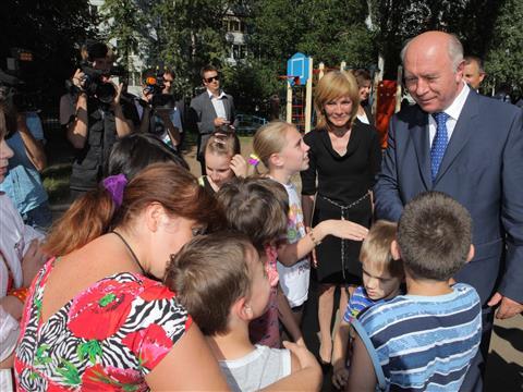 Николай Меркушкин познакомился с работой детского дома №10