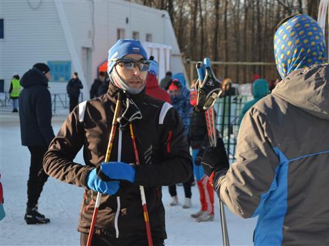 """Более 600 спортсменов приняли участие в самарском открытом лыжном марафоне """"Сокольи горы-2018"""""""