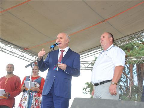 Николай Меркушкин открыл первый фестиваль сыра в Рождествено