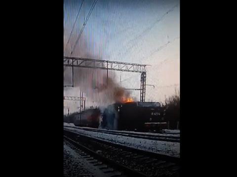 Появилось видео с горящим ретро-локомотивом в Чапаевске