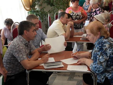 Глава Тольятти провел первую встречу с общественностью