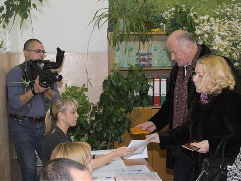 Виктор Сазонов принял участие в голосовании