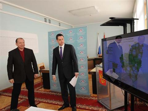 Владимир Артяков обсудил ход голосования с председателем облизбиркома Вадимом Михеевым