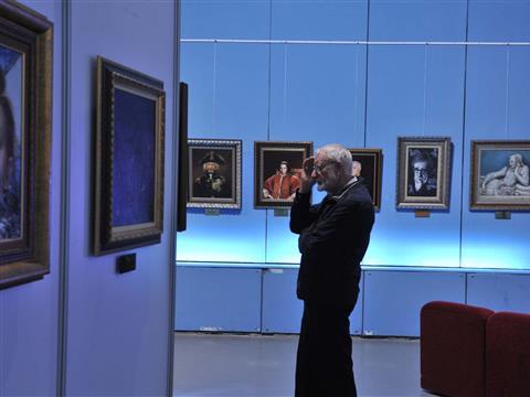 В Самаре проходит выставка Никаса Сафронова