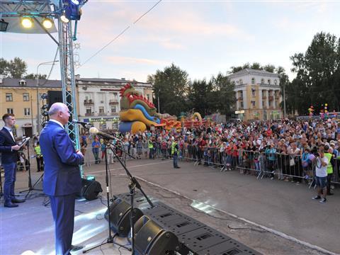 Глава региона поздравил жителей Жигулевска с Днем города