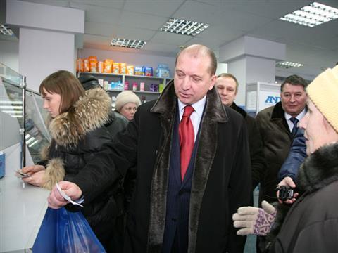Владимир Артяков провел рейд по самарским аптекам